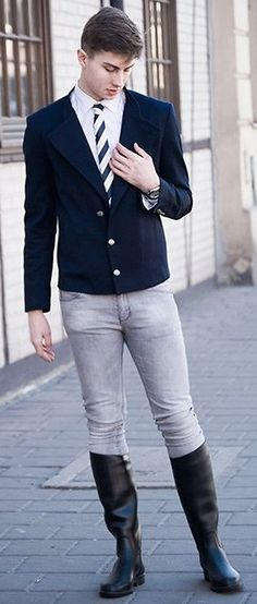 The Equestrian Look: Blazer, skinny jeans and high boots. Love it !