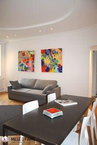 Location Vacances à Paris près des Champs Elysées, Appartement Rue des Belles Feuilles à partir de 96€/nuit