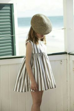 Emmie would look adorable in it - Kids Fashion Little Girl Fashion, Little Girl Dresses, Girls Dresses, Outfits Niños, Kids Outfits, Fashion Outfits, Look Fashion, Kids Fashion, Net Fashion