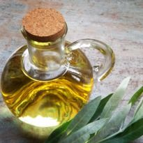 """With a wide variety to chose from, we often find ourselves wondering which cooking oil is the best for us. Since each holds a different set of pros and cons it is hard to pick one. According to leading health expert Dr. Shikha Sharma, """"Changing or rotating."""
