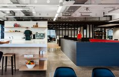 Advertising and marketing firm Clemenger BBDO has recently moved into a new office space in Sydney with the help of HASSELL