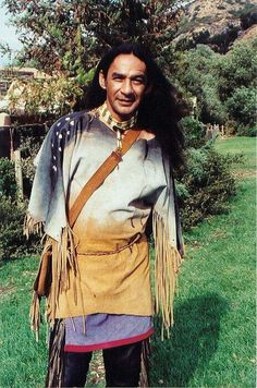 Larry Sellers aka Cloud Dancing from Dr. Absolutely love him on this… Native American Actors, Native American Pictures, Native American Indians, Dr Quinn, Movies Showing, Movies And Tv Shows, Byron Sully, Westerns, Joe Lando