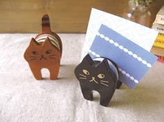 Card Stand CAT  ★ More on #cats - Get Ozzi Cat Magazine here >> http://OzziCat.com.au ★
