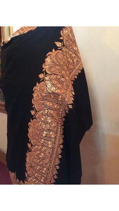 #embroidery pashmina shawl Kashmiri Suits, Kashmiri Shawls, Embroidery Suits Design, Pashmina Shawl, Sd, Creative Design, Designer Dresses, Hand Weaving, Cashmere