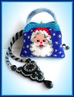 """3. Santa/Snowman. No pattern or color chart.  Кулон """"Монохром-3"""", сумочка-игольница """"Новогодняя"""" и еще куча-мала   biser.info - всё о бисере и бисерном творчестве"""