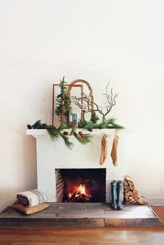 Get Woodsy - How To DIY Your Holiday Mantel - Photos
