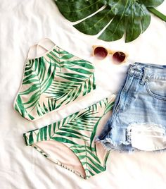 Where to Shop for Cute and Affordable Swimsuits - Swimsuits - Ideas of Swimsuits - Aerie Tropical Swimsuit for Summer Bathing Suits For Teens, Swimsuits For Teens, Cute Bathing Suits, Cute Swimsuits, Cute Bikinis, Short Outfits, Kids Outfits, Summer Outfits, Cute Outfits