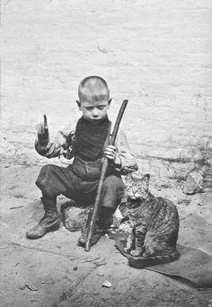 LSF-HWC-Spitalfields-Nippers-20-blind-boy-and-cat