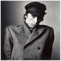 one of the most beautiful photographs of Rudolf Nureyev by the genius of Irving Penn,this portrait sits in the National Portrait Gallery of the Smithsonian Institution. Gift of Irving Penn © Les Editions Condé Nast S. Photo taken New York, Dora Maar, Isabella Rossellini, Rudolf Nureyev, Alberto Giacometti, Diane Arbus, Richard Avedon, Jasper Johns, Pablo Picasso, Black And White Portraits
