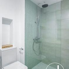 Hugo y eva salones de estilo minimalista de osb arquitectos minimalista | homify Bathtub, Bathroom, Home, Staircases, Minimalist Style, Rain Shower Heads, Architects, Interior Design