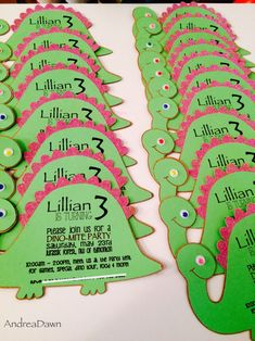 It was a very Happy Birthday to Miss Lillian last month… and how did she chose to celebrate it? With a Dinosaur themed birthday party at the Jurassic Forest Park! 3rd Birthday Party For Girls, Dinosaur First Birthday, Girl Birthday Themes, Happy Birthday, 5th Birthday, Birthday Ideas, Dinosaur Birthday Invitations, Forest Park, Dinasour Party