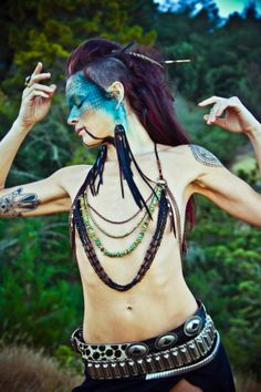 Kahina. Urban Warrior plastron perlé par ladyhawkLOVE -Tropical postapoc-
