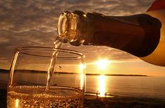 Summer and Sparkling Wines: A Perfect Pairing!