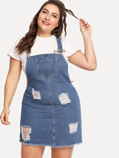 To find out about the Plus Raw Hem Distressed Denim Overall Dress at SHEIN, part of our latest Plus Size Denim Dresses ready to shop online today! Casual Plus Size Outfits, Curvy Girl Outfits, Chubby Fashion, Trendy Fashion, Fashion Outfits, Fashion Ideas, Style Outfits, Looks Plus Size, Look Plus