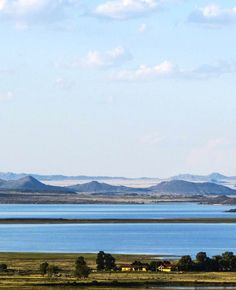 Driekwartblou Karoo Luxury Accommodation is situated from Colesberg on a working farm on the banks of the Gariep Dam. Luxury Accommodation, Banks, Landscapes, Mountains, Space, Nature, House, Travel, Paisajes