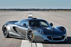 Hennessey Venom GT (2012-present): 270 miles per hour