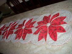 Caminho de mesa Compr.1,29cm Larg.36cm facebook:Arts Nancy