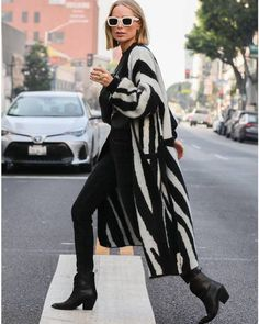 Mode Outfits, Casual Outfits, Fashion Outfits, Look Fashion, Winter Fashion, Madrid, Looks Black, Classic Wardrobe, Winter Mode