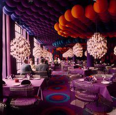 Pretty cool how Verner Panton designed the interior of Varna Palæet in Aarhus back in the 70's