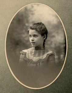 """Ethel, 10 years old"" , Kansas, 1900 Antique Photos, Vintage Pictures, Vintage Photographs, Old Pictures, Vintage Images, Old Photos, Vintage Postcards, Girl Photos, Vintage Girls"