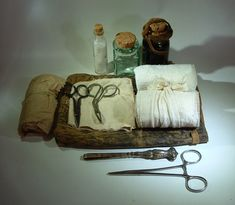A Woodsrunner's Diary: New Image of my Medical Kit. Nurse Aesthetic, Cleric, Medical Equipment, First Aid, New Image, My Images, One Piece, Characters, Alchemist
