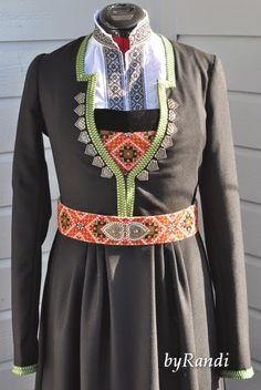 Det er en grunn til at det har vært særdeles liten aktivitet på bloggen i det siste - jeg har nemlig hatt et intensivt løp for å ferdig... Fashion Art, Fashion Outfits, Womens Fashion, Folk Costume, Costumes, Folk Clothing, Cutwork, Traditional Outfits, Norway
