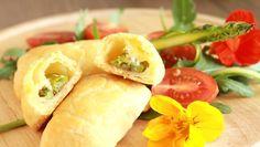 Przepis na Ciastka półfrancuskie serowe ze szparagami, bryndzą podhalańską #ChNP i kwiatami nasturcji