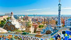 Museu/Parque: Parque Güell é único, não só pelas obras de Gaudí, mas por ser um mix de museu e parque – tornando a visita um pouco menos cansativa e bastante atrativa para todas as idades. Sem falar da incrível vista para o Mar Mediterrâneo.  Fotografia: