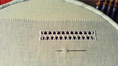 Ricamo Tutorial | Sfilatura Pinterest Thread Work, Video, Diy Crafts, Embroidery, Needlepoint, Make Your Own, Homemade, Craft, Diy Artwork