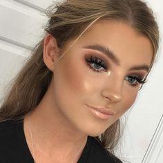 Makeup For Beginners Archives - Makeup Tips Glam Makeup, Formal Makeup, Bronze Makeup, Contour Makeup, Love Makeup, Makeup Tips, Beauty Makeup, Makeup Looks, Hair Makeup