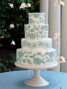 Blue and white round wedding cake