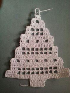 Stromečky 5 Holiday Crochet Patterns, Free Crochet Doily Patterns, Granny Square Crochet Pattern, Crochet Squares, Knitting Patterns Free, Thread Crochet, Filet Crochet, Crochet Crafts, Yarn Crafts