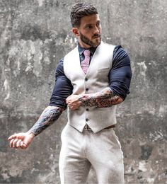 Black white and a touch of brown 👌 what do you think to this oufit? Mens Fashion Suits, Mens Suits, Fashion 2020, Fashion News, Men's Fashion, Most Popular Artists, Boy Tattoos, Island Girl, Moda Masculina