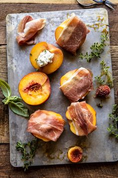 Prosciutto Goat Cheese Stuffed Peaches with Thyme Honey The perfect, no-cook summer appetizer that everyone will LOVE. Market fresh peaches stuffed with creamy lemon basil goat cheese, wrapped in salty prosciutto, then grilled. Clean Eating Snacks, Healthy Eating, Fingers Food, Cooking Recipes, Healthy Recipes, Roast Recipes, Healthy Breakfasts, Steak Recipes, Chicken Recipes