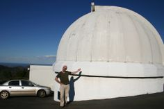 Another image of Uppsala Telescope (Siding Spring Observatory) and discoverer, Rob MacNaught. (Courtesy: iTelescope.net).