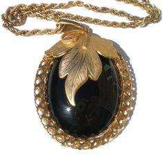 "Vintage Pendant Necklace With Large Black Cabochon on Gold Tone with Leaf Foilage Design 18"" Long #GotVintage #Vintage #Jewelry"