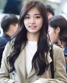 Tzuyu Kpop Girl Groups, Korean Girl Groups, Kpop Girls, Korean Beauty, Asian Beauty, K Pop, Twice Tzuyu, Le Jolie, Beautiful Asian Women