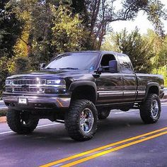 I most definitely want this truck :)