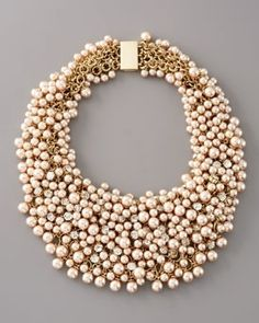 every bride needs some drama on their wedding day...and what better way with a powerful necklace!