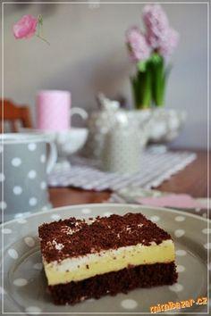 Řez s vaječným likérem a šlehačkovým krémem Traditional Cakes, Tiramisu, Food And Drink, Yummy Food, Ethnic Recipes, Delicious Food, Tiramisu Cake