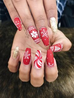 hand painted christmas nail art