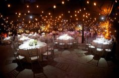 ARQUILONAS.... plafón con luces #Carpas #Boda #Toldos #ideasoriginales www.organizandomiboda.com