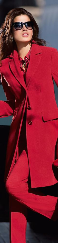 LOOKandLOVEwithLOLO: New Fall 2014 Arrivals from Madeleine.Suits, Jackets, and Pants. I so love this outfit, of course it's red, but it's also has an elegant cut. Red Fashion, Fashion Looks, Fashion Outfits, Womens Fashion, Fashion Trends, Fashion Music, Blazer, Mode Glamour, Modern Suits