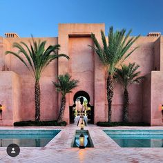 Travel inspiration | The striking architecture of Amanjena @aman in Marrakech Morocco by @classetouriste #travelinspiration #roomcritic #offenstore #amanjena