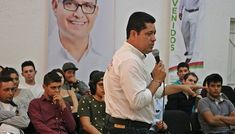 Jóvenes cierran filas con Roberto González