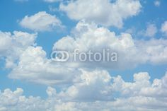 Fototapeta białe chmury na niebieskim niebie - niebo • PIXERS.pl