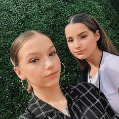 """Jayden Bartels and Annie LeBlanc """"Proud to announce that Annie and Jayden are getting their own TV series called Side Hustle! Julianna Grace Leblanc, Hayley Leblanc, Annie Grace, Annie Lablanc, Her Annies, Annie Angel, Annie Leblanc Outfits, Annie And Hayden, Vsco"""