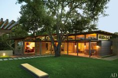 Lake | Flato Architects and Terry Hunziker Design a Hillside House in Austin, Texas. Photo: Pieter Estersohn.