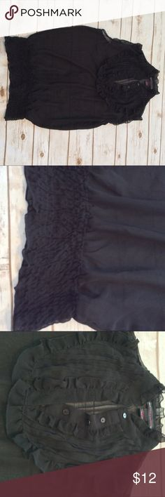 NWOT JENNIFER & GRACE sheer sleeveless top 🦋 Size Large, nice ruffled details on sheer top. Jennifer & Grace Tops Blouses