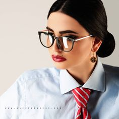 T h u r s d a y ❤️ 👔💼👓👠💄 Ph @alexcomaschi Mua @momymakeup #manager #model #LidiaStallo #ny #nyc #rome #roma #glasses #cravatta #man #woman… Women Ties, Suits For Women, Makeup Step By Step, Suit And Tie, Eyeglasses, Beautiful Women, Elegant, Lady, Model